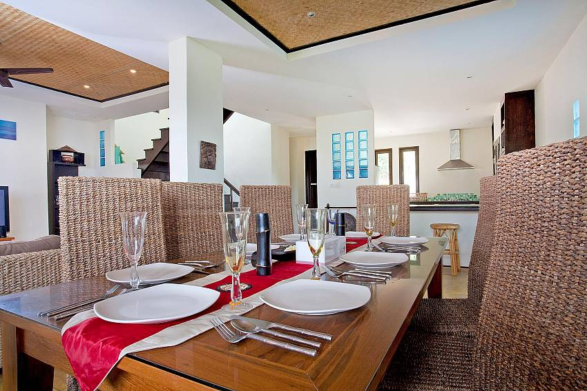 Dining Table-baan-pa-nom_3-bedroom_hillside-villa_infinity-pool_karon_phuket_thailand