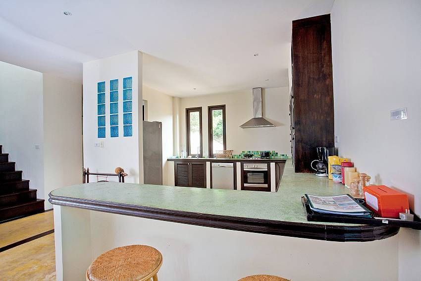 Kitchen Breakfast Bar-baan-pa-nom_3-bedroom_hillside-villa_infinity-pool_karon_phuket_thailand