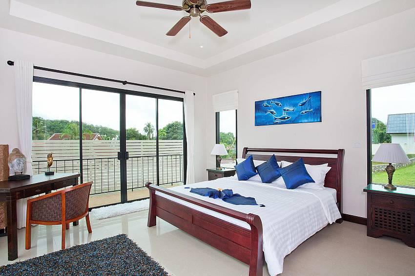 Master Bedroom 2-villa-kaimook-andaman_6-bedroom_pool-villa_nai-harn_phuket_thailand