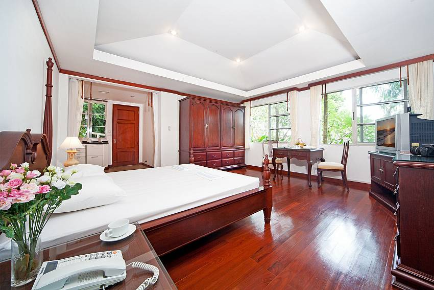 Light and Spacious-ruedi-villa_2+-bedroom_private_pool_kata-beach_phuket_thailand