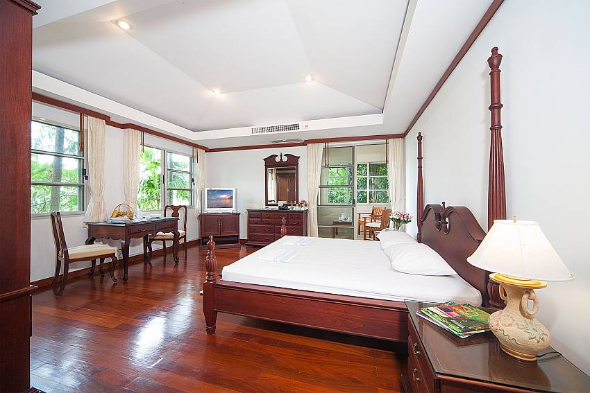 Huge bedroom with sitting area at Ruedi Villa in West Phuket