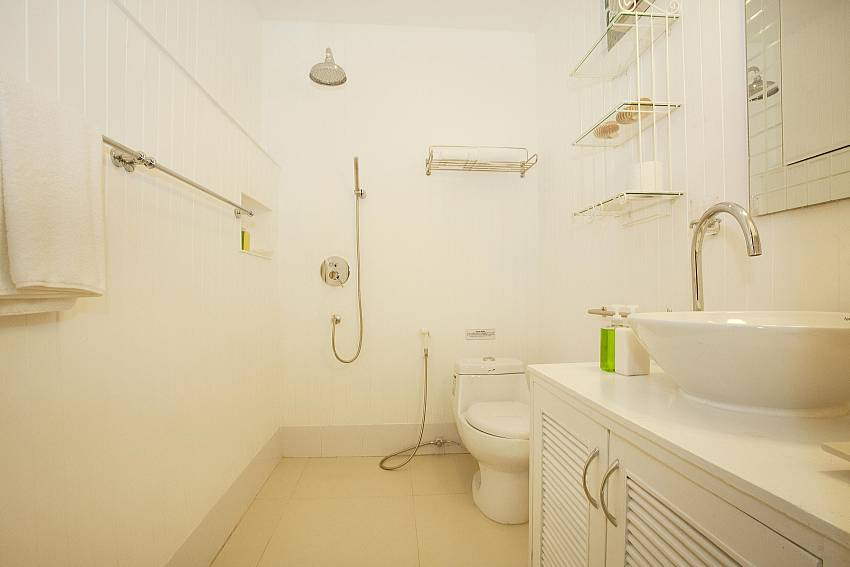 Bathroom 2-Pattaya Luxury Villa-Buraran Suites