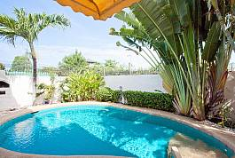 Quiet 2 Bedroom Pool Villa Near Walking Street in Pattaya