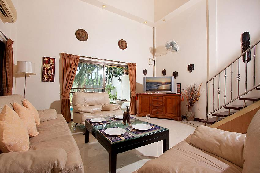 Lounge-nai-mueang-noi_2-bedroom_private-pool-villa_pattaya_thailand