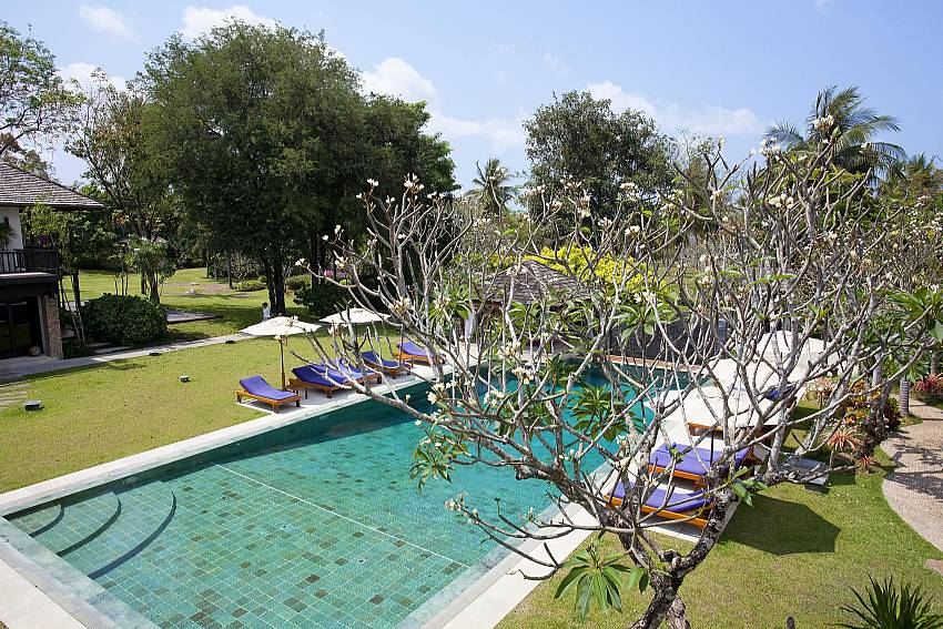 Pool and mature Gardens-the-tamarind_9-bedroom_private-resort_private pool_sattahip_pattaya_thailand