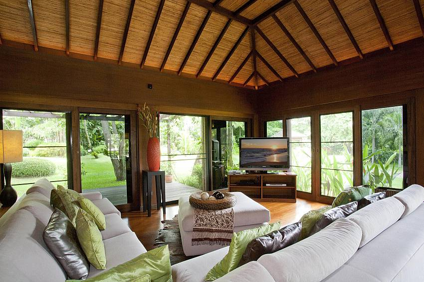 Additional Lounge-the-tamarind_9-bedroom_private-resort_private pool_sattahip_pattaya_thailand