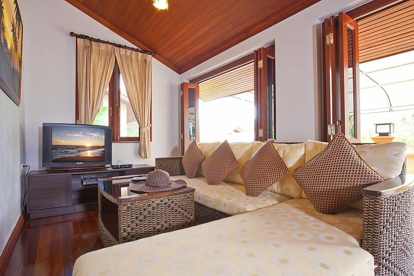 The Lounge_baan-sang-dow_2-bedroom-villa_communal-pool_ban-chong-beach_krabi_thailand