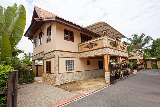 Rent Krabi Villa: Baan Sang Dow 1, 2 Bedrooms. 8739 baht per night
