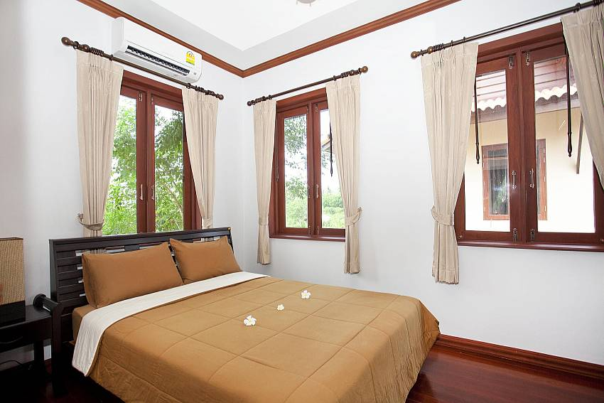 Bedroom 1_baan-sang-dow_2-bedroom-villa_communal-pool_ban-chong-beach_krabi_thailand