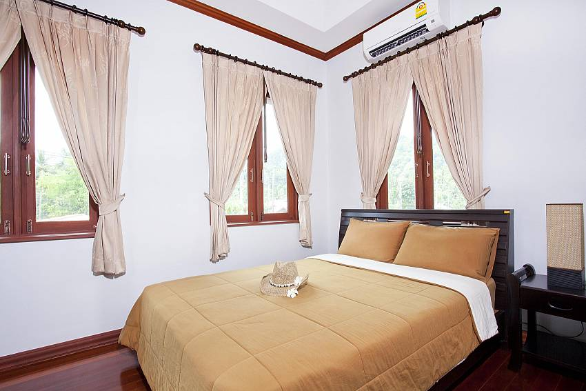 Bedroom 2_baan-sang-dow_2-bedroom-villa_communal-pool_ban-chong-beach_krabi_thailand