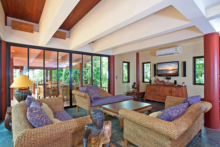 Upstairs Lounge and al fresco dining_laemset-lodge_villa_6-bedroom_laem-set-beach_koh-samui_thailand