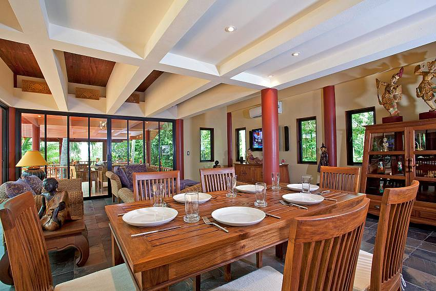 Indoor Dining Area_laemset-lodge_villa_6-bedroom_laem-set-beach_koh-samui_thailand