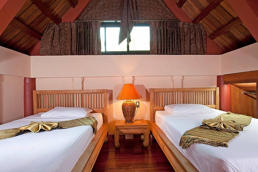 Twin Room_laemset-lodge_villa_6-bedroom_laem-set-beach_koh-samui_thailand