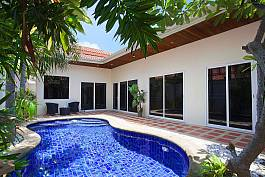 Affordable gateaway villa in Pratumnak Hill, Pattaya