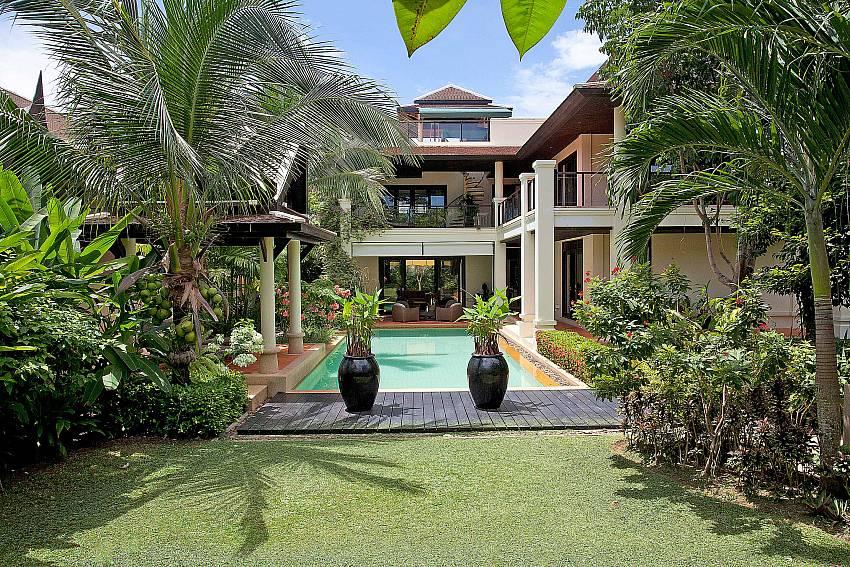 Beautifully Kept Gardens_maan-tawan_4-bedroom_private-pool-villa_layan-beach_phuket_thailand