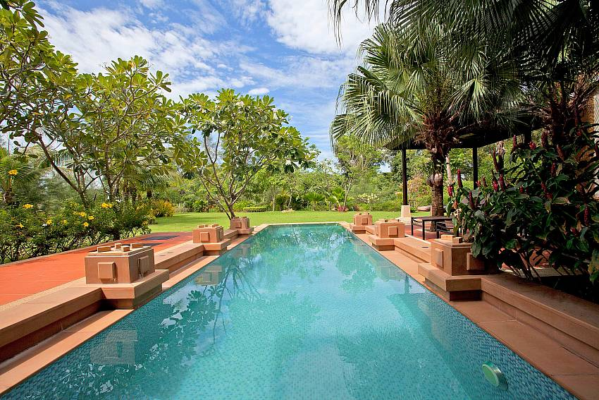Private swimming Pool_chom-tawan-villa_4-bedroom_private-pool_layan-beach_bang-tao_phuket_thailand