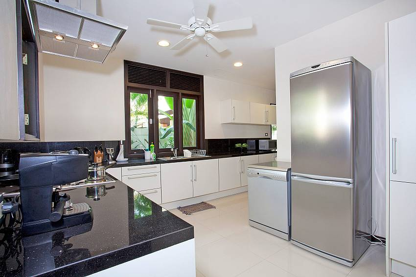 Modern Kitchen_chom-tawan-villa_4-bedroom_private-pool_layan-beach_bang-tao_phuket_thailand