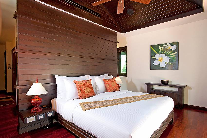 Master Bedroom_chom-tawan-villa_4-bedroom_private-pool_layan-beach_bang-tao_phuket_thailand