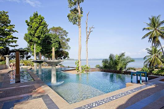 Krabi Beachfront Resort Oceanside Suite 1 Bedroom House  For Rent  in Krabi