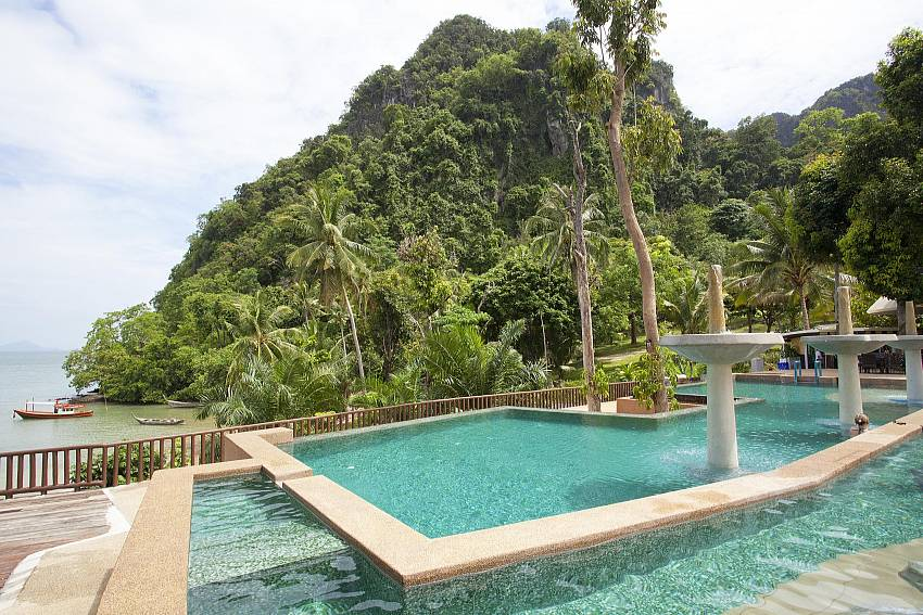 Beautiful location_krabi_beachfront-resort-villa_suite-601_1-bed-suite_krabi_thailand