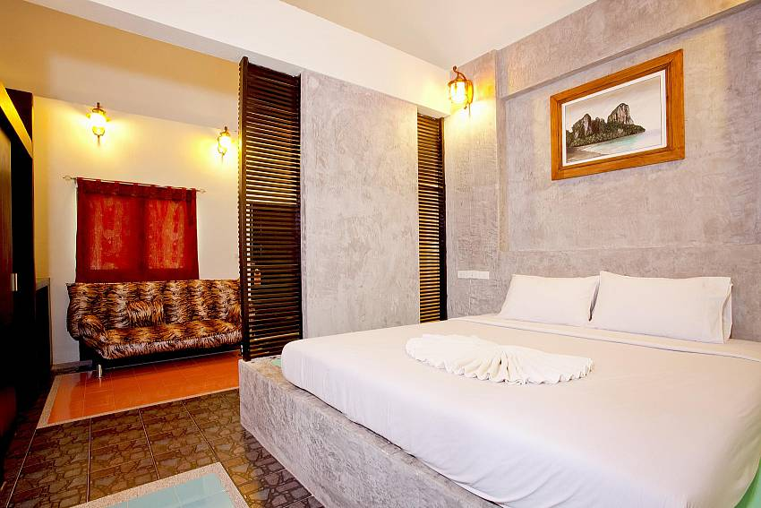 Bedroom_krabi_beachfront-resort-villa_suite-101_1-bed-suite_krabi_thailand