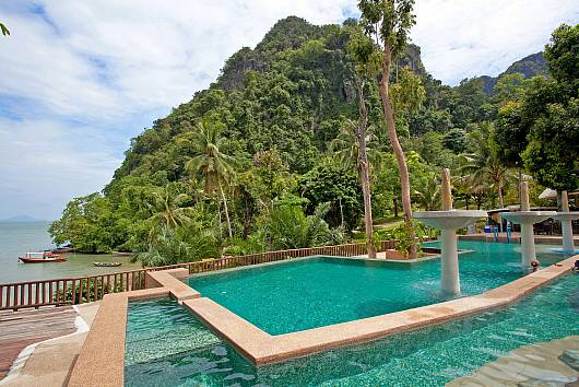 Krabi Beachfront Resort Family Suite 2 Bedrooms House  For Rent  in Krabi