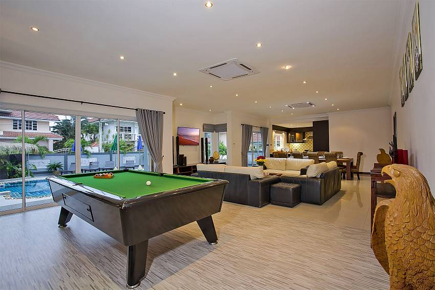 Pool table in your private Kinaree villa