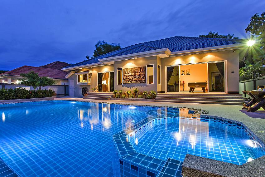 Your villa rental in Jomtien with your private pool at Baan Kinaree