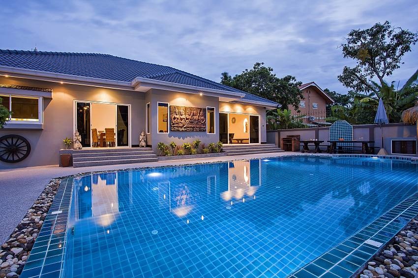 Private pool to enjoy in Baan Kinaree Jomtien Pattaya