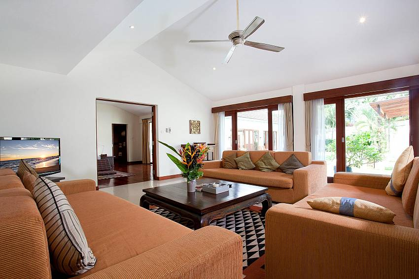 Lounge Area_red-mountain-villa_4-bedroom_private-pool_kathu_phuket