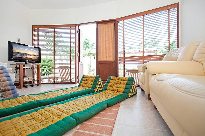 Second Lounge_red-mountain-villa_4-bedroom_private-pool_kathu_phuket
