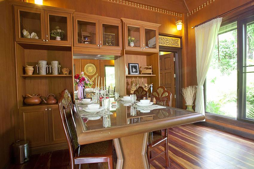 Dining Table_orchard-paradise-villa_2-bedroom_private-pool_ao-nang_krabi_thailand