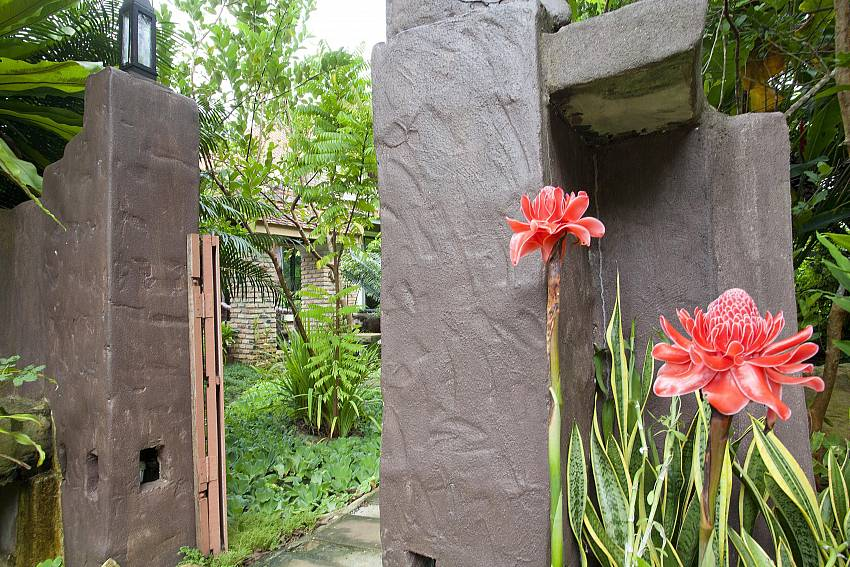 Tropical Flowers everywhere_orchard-paradise-villa_2-bedroom_private-pool_ao-nang_krabi_thailand