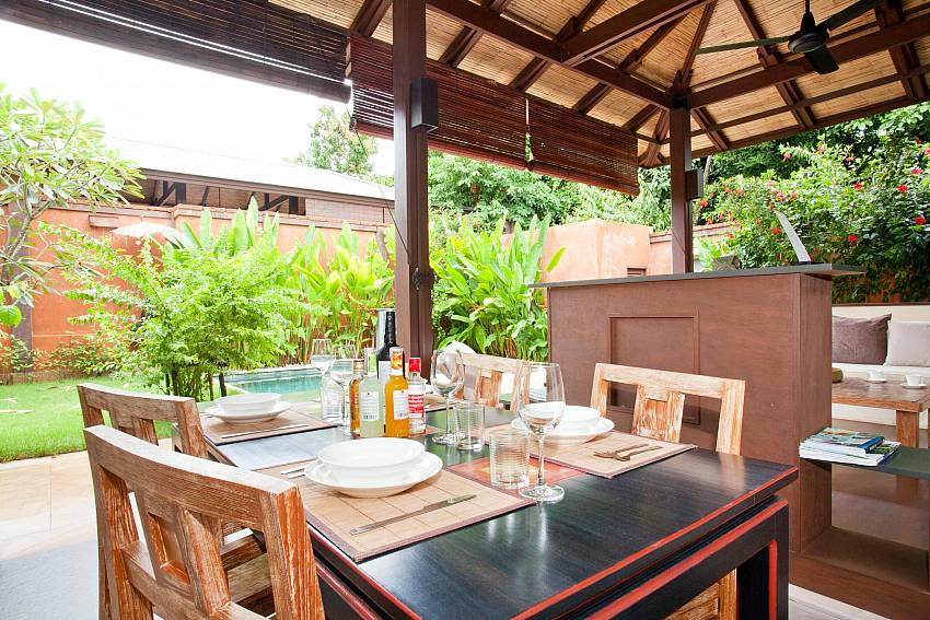 Dining Area_villa-serena_2-bedroom_private-pool_klong-khong-beach_koh-lanta_thailand