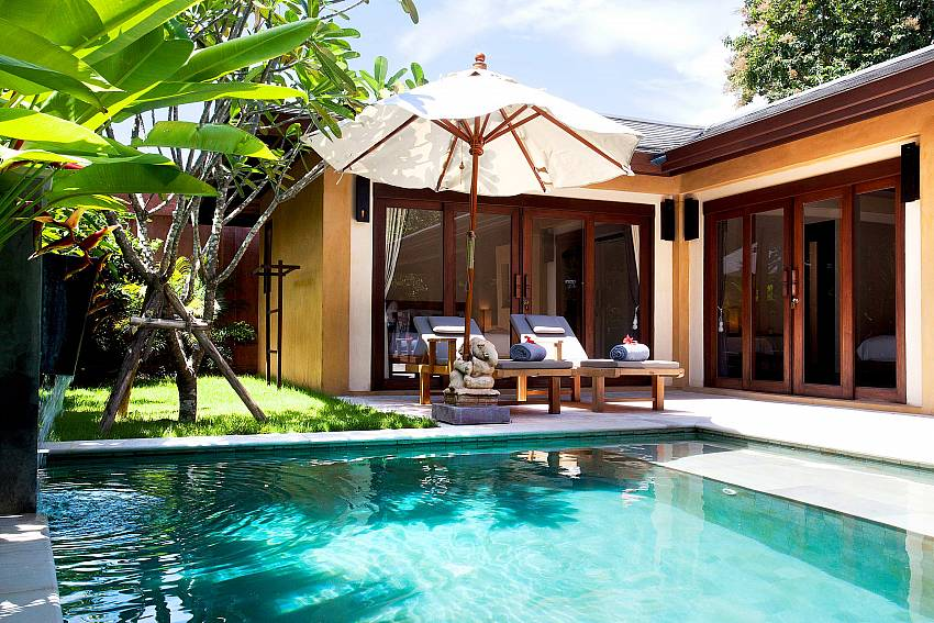 Bedrooms next to the Pool_villa-dao_2-bedroom_private-pool_klong-khong-beach_koh-lanta_thailand
