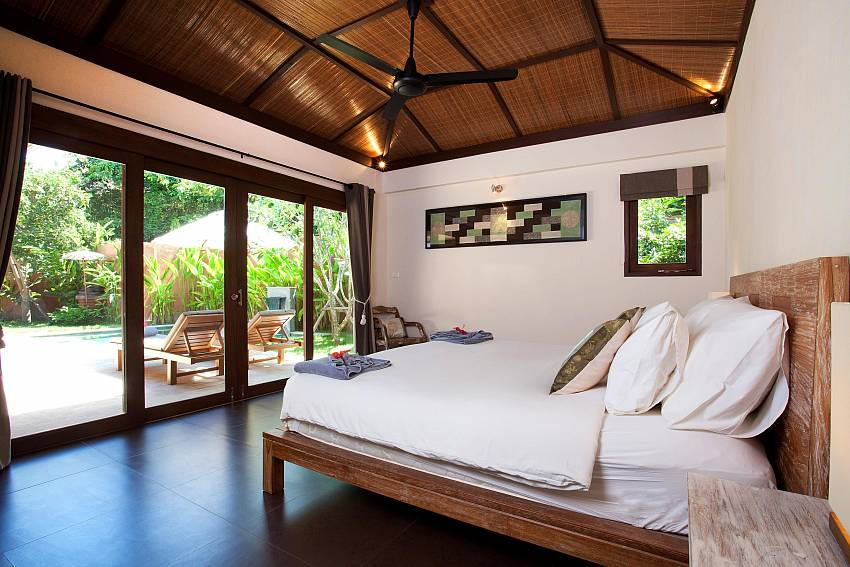 Poolside Main Bedroom_villa-dao_2-bedroom_private-pool_klong-khong-beach_koh-lanta_thailand