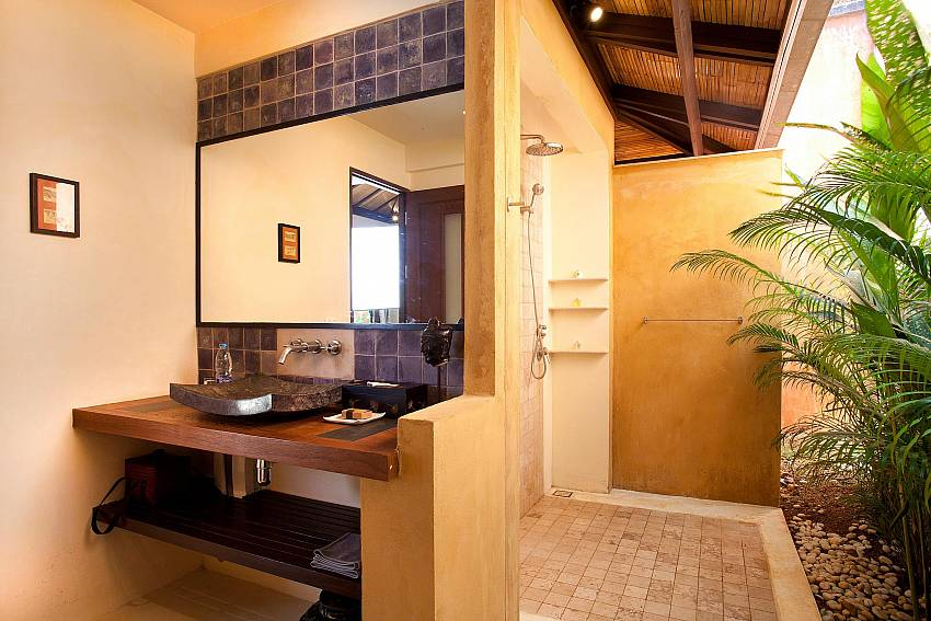 Outside showers_villa-dao_2-bedroom_private-pool_klong-khong-beach_koh-lanta_thailand