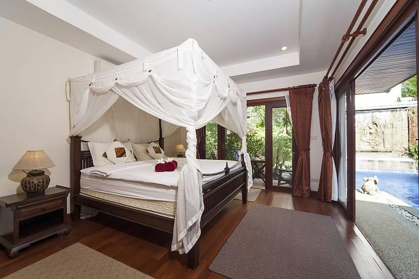 4 poster king size bed in the master bedroom of Villa Fantasea Phuket
