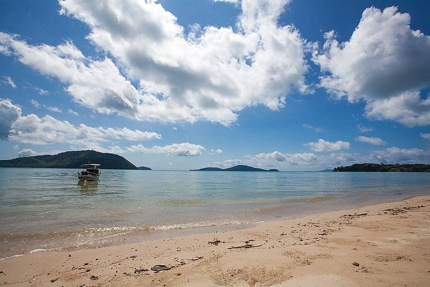 Tranquil beach scenery in front of Friendship Villa No.7 Phuket