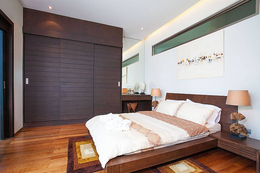 2. bedroom with king size bed at Friendship Villa No.7 in Phuket