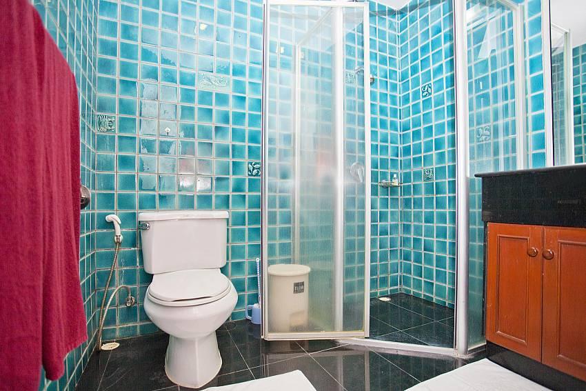 Modern bathroom at Chai Nam Condo in Bang Tao West Phuket