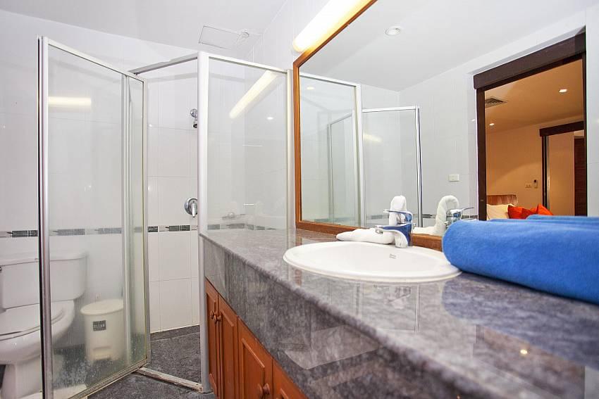 Second Bathroom_chai-nam-condo_2-bedroom_beachfront-apartment_bang-tao_phuket