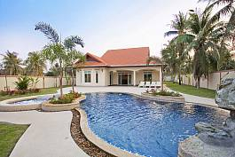 Villa with Serene Garden and Swimming Pool