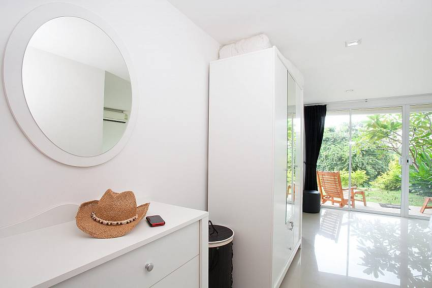 Bright and Modern_long-beach-mountain-view-1b_2-bedroom-apartment_koh-lanta_krabi_phuket_thailand