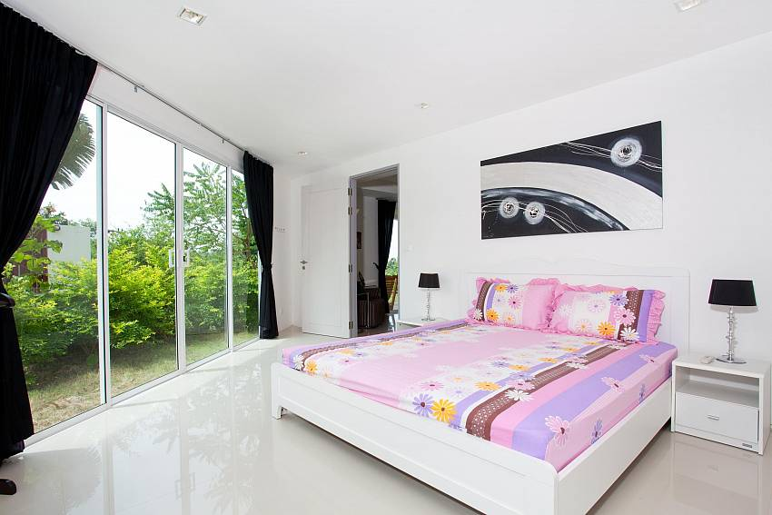 Bedroom 2_long-beach-mountain-view-1b_2-bedroom-apartment_koh-lanta_krabi_phuket_thailand