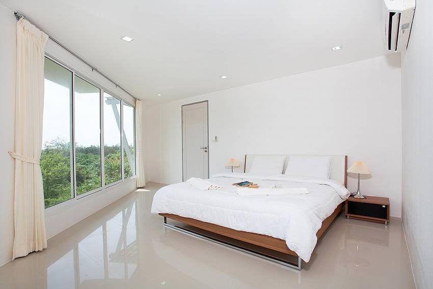 Bedroom 2_long-beach-mountain-view-2b_2-bedroom-condo_long-beach_koh-lanta_phuket_krabi_thailand