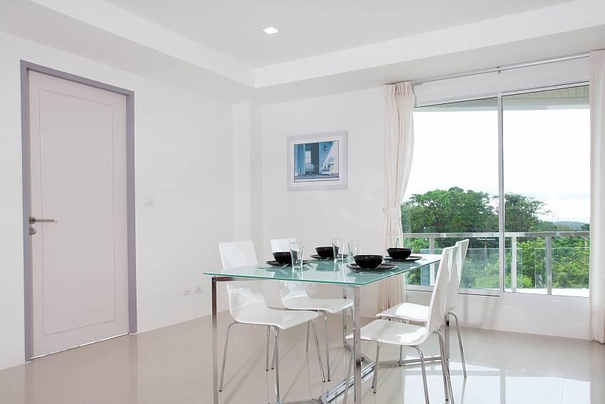Dining Table_long-beach-sea-view-3b_2-bedroom-apartment_sea-view_koh-lanta