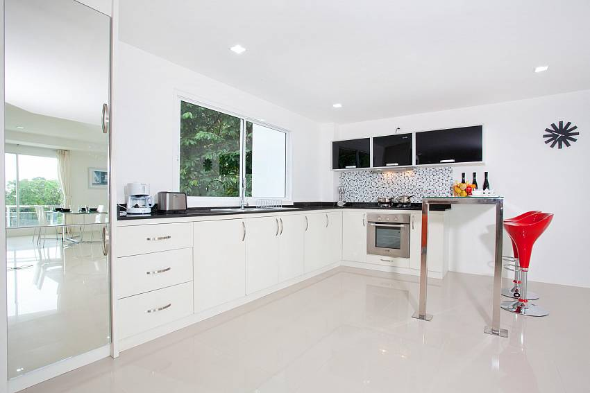 Kitchen_long-beach-sea-view-3b_2-bedroom-apartment_sea-view_koh-lanta