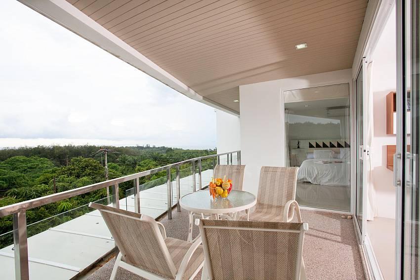 Balcony & Sea Views_long-beach-sea-view-3b_2-bedroom-apartment_sea-view_koh-lanta