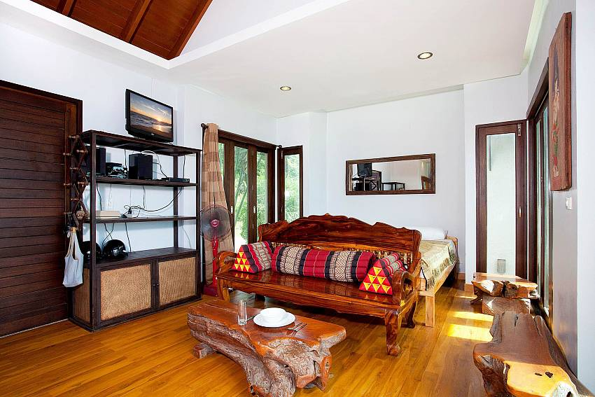 Spare Bed in Living Room_talay-view-villa_1-bed_villa_koh-lanta_phuket_krabi_thailand